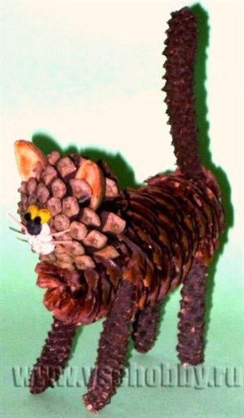 Кошка из природного материала своими руками фото
